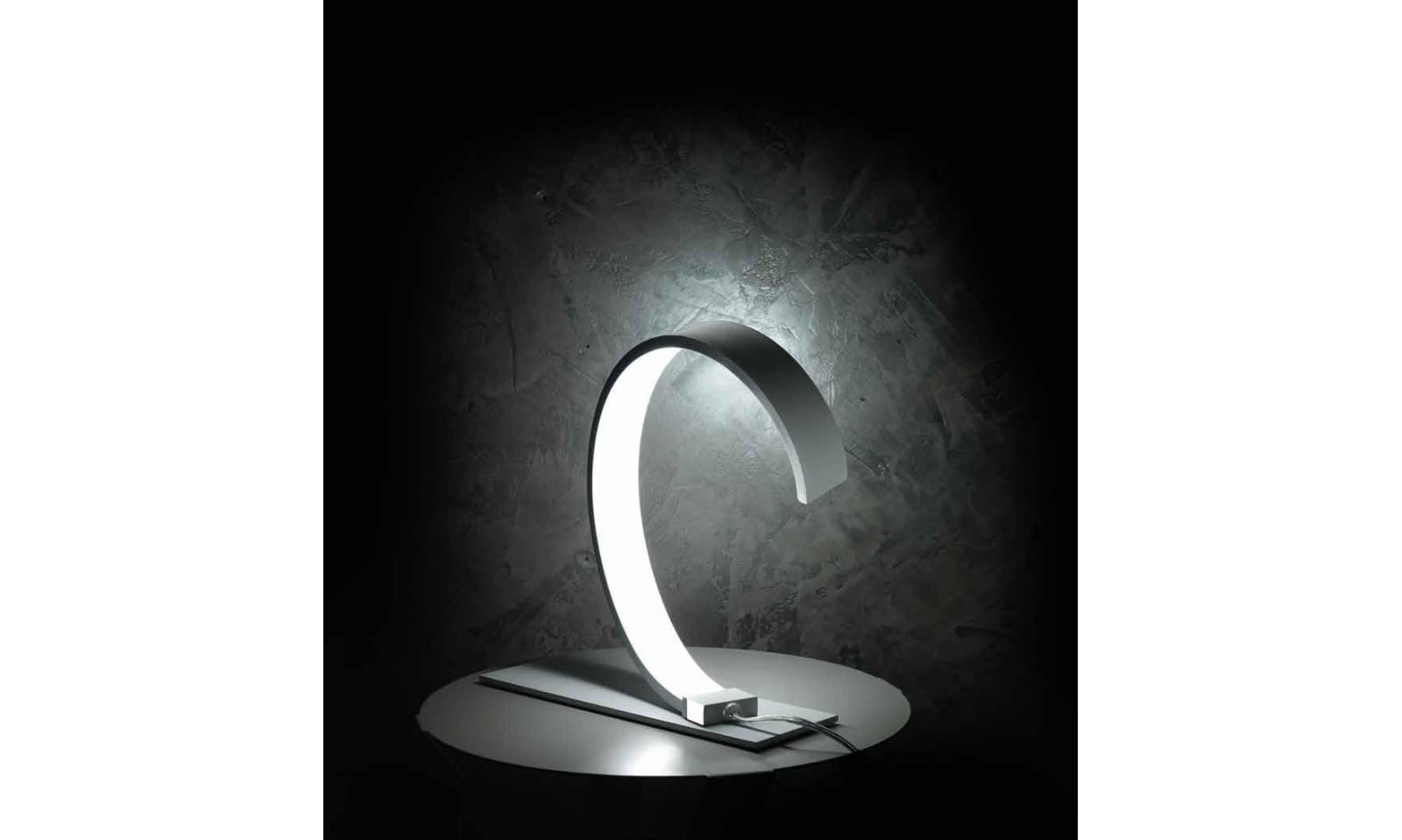 Ciciriello lampada da tavolo nastro led - Lampada a led da tavolo ...