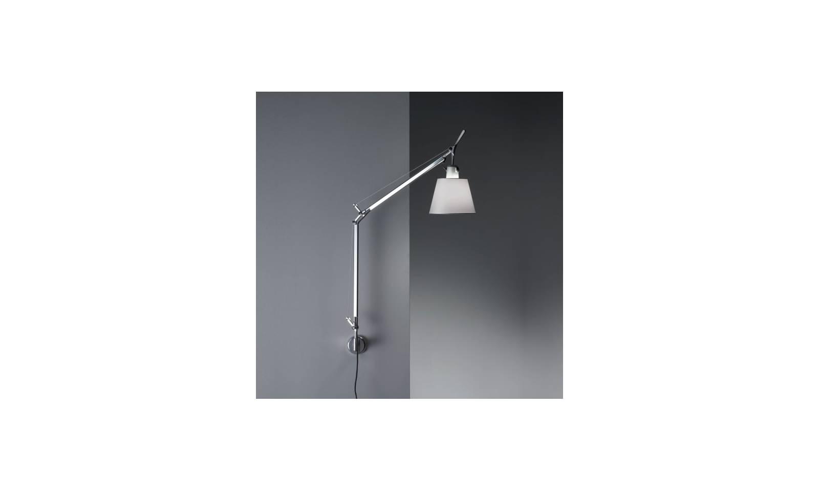 Artemide lampada da parete serie tolomeo basculante raso