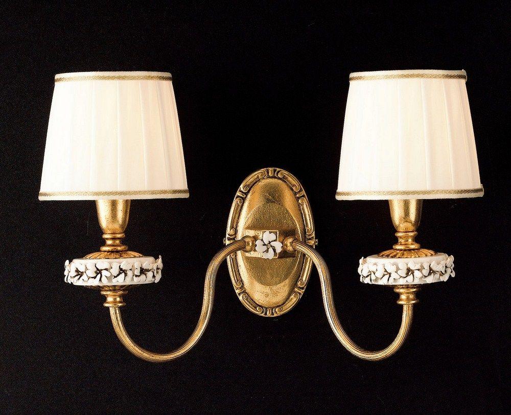 Applique classico luci in foglia oro con porcellane e paralumi