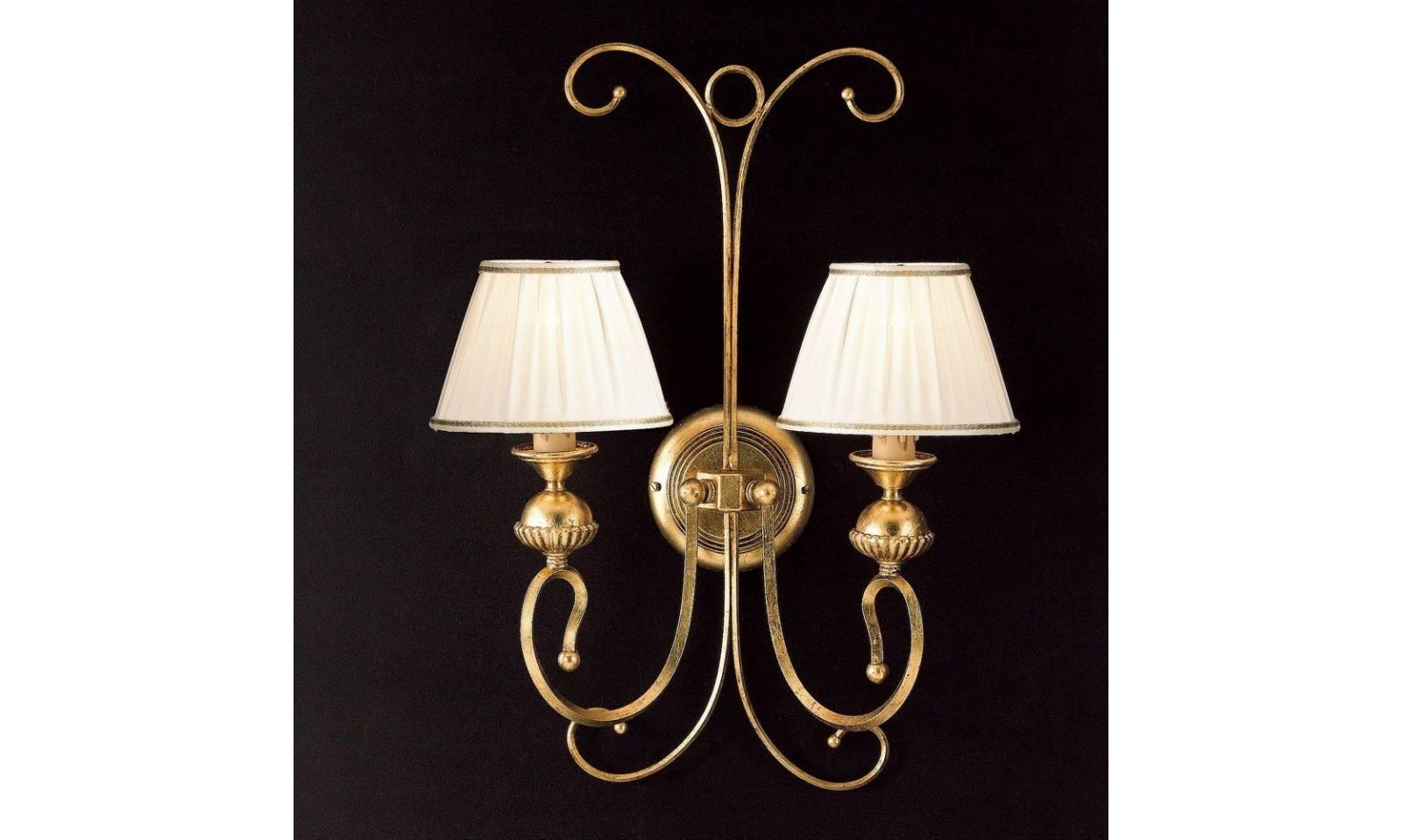 Applique classico luci in ferro battuto foglia oro con paralume